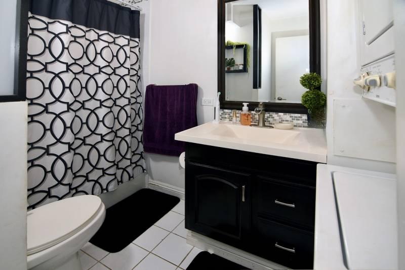 bathroom in condo for sale oahu