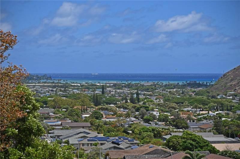 Upper Hahaione valley in Hawaii Kai