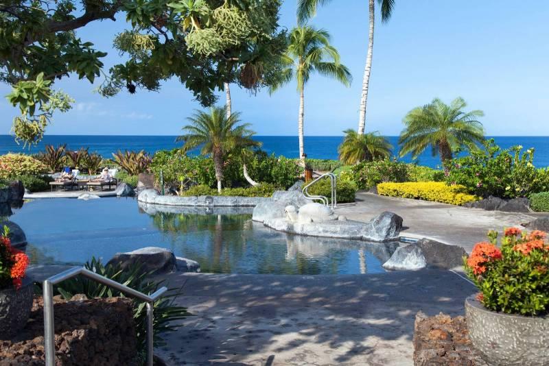 Halii Kai oceanfront pool