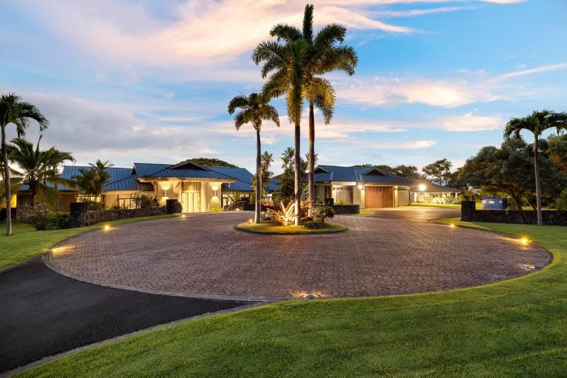 large circular driveway at hawaii island estate for sale