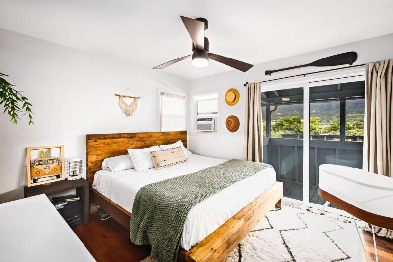 bedroom with sliding doors to lanai