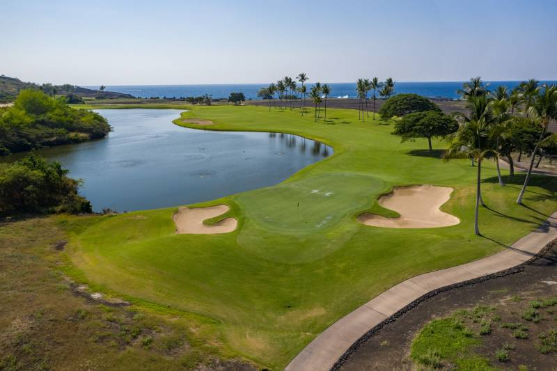 oceanfront golf course on the big island