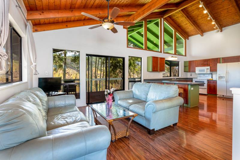 living room and kitchen in oahu north shore long term rental