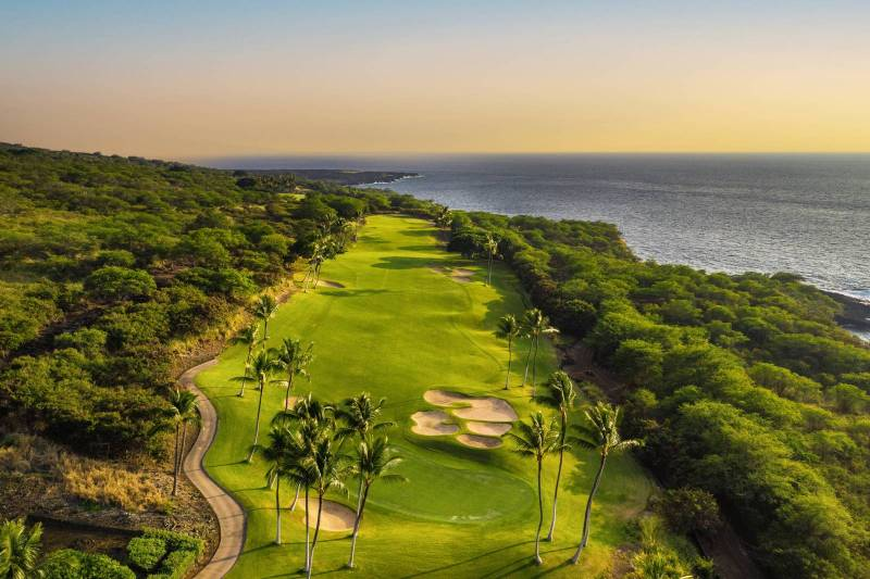 hokulia oceanfront golf course on hawaii island