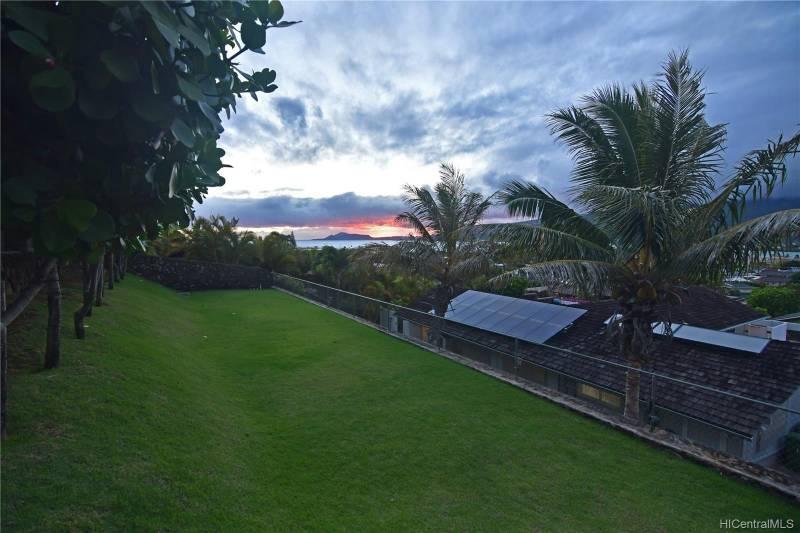 sunset ocean view from hawaii kai home